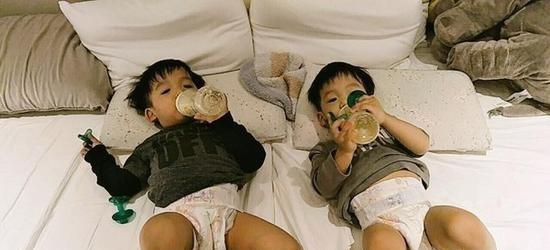 双胞胎儿子飞飞翔翔