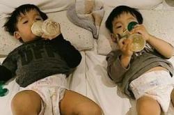 范玮琪双胞胎儿子两岁还用奶嘴被批 解释:有独