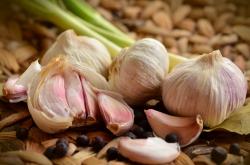 吃大蒜的好处有哪些 大蒜怎么吃才防癌抗癌