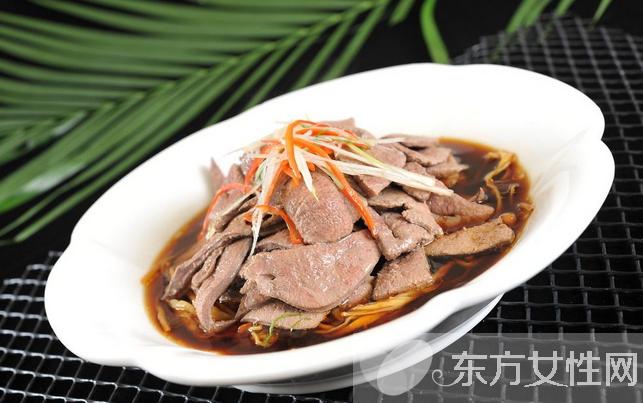 猪肝汤的功效有哪些 孕妇可以吃猪肝吗