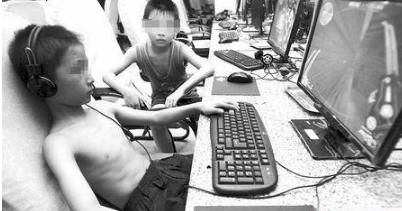 男孩游戏充5.8万 熊孩子玩游戏输掉70万钱