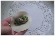 韭菜锅贴的做法步骤4