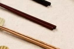 筷子半年不换竟藏致肝癌病菌筷子头长这样赶快