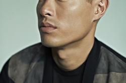 《花少3》杨祐宁又登杂志封面 型男碰撞粉色依旧