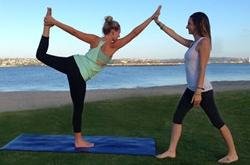 水中瑜伽减肥怎么练 不适合练瑜伽的人