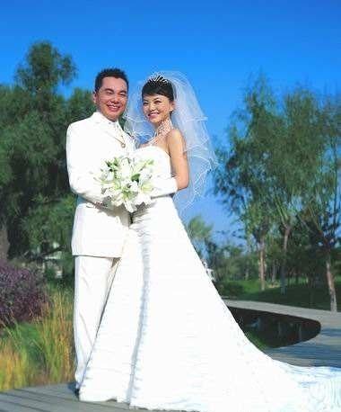 何洁不敢再结婚 这些二婚女星其实过的超幸福