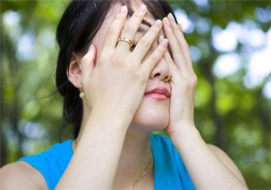女性脱发的治疗方法 治养结合解决脱发难题