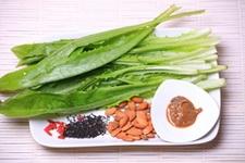 杏仁黑芝麻油麦菜步骤1