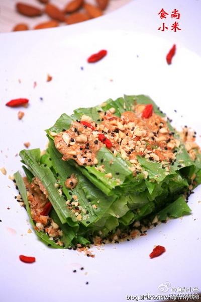杏仁黑芝麻油麦菜的做法
