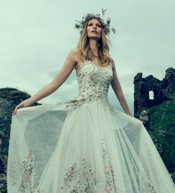 蕾丝与花朵装饰婚纱系列 让你的婚纱更具森系风格